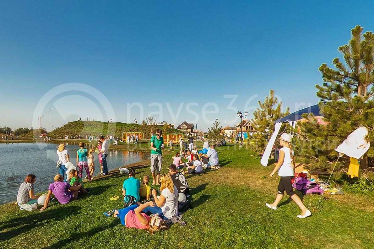 Oktoberfest 2015, Краснодар, Немецкая деревня, отдых на траве