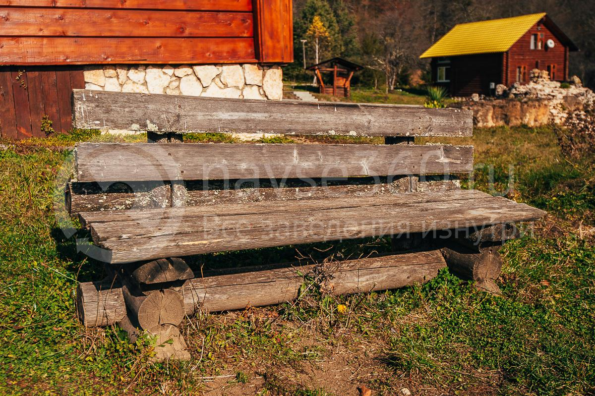 Турбаза Горная Кубань Мезмай, скамейка