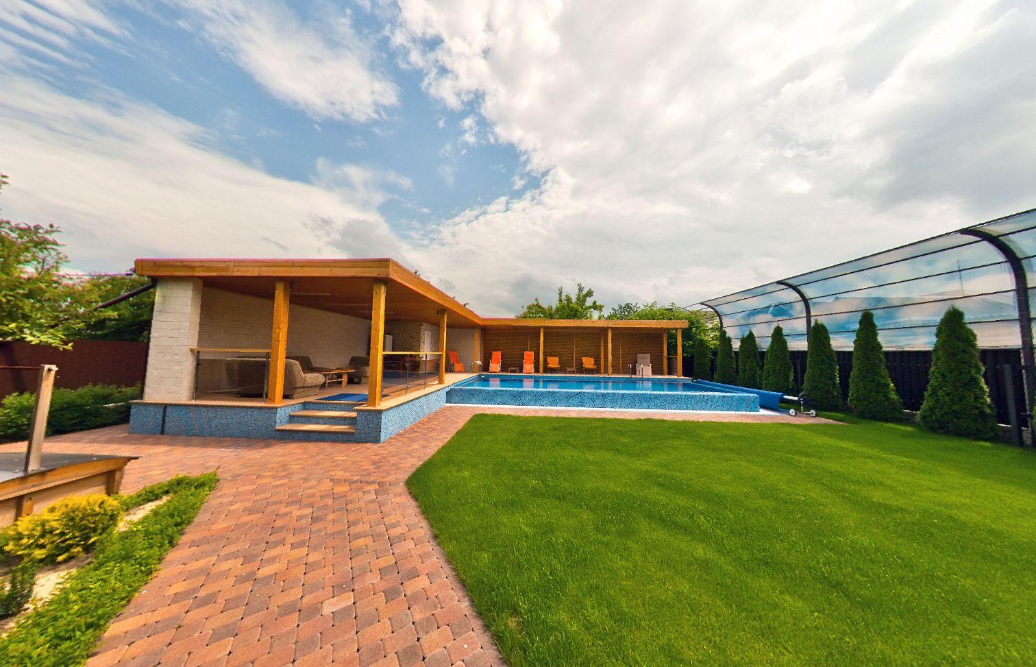 Купить дом в Витязево- бассейн