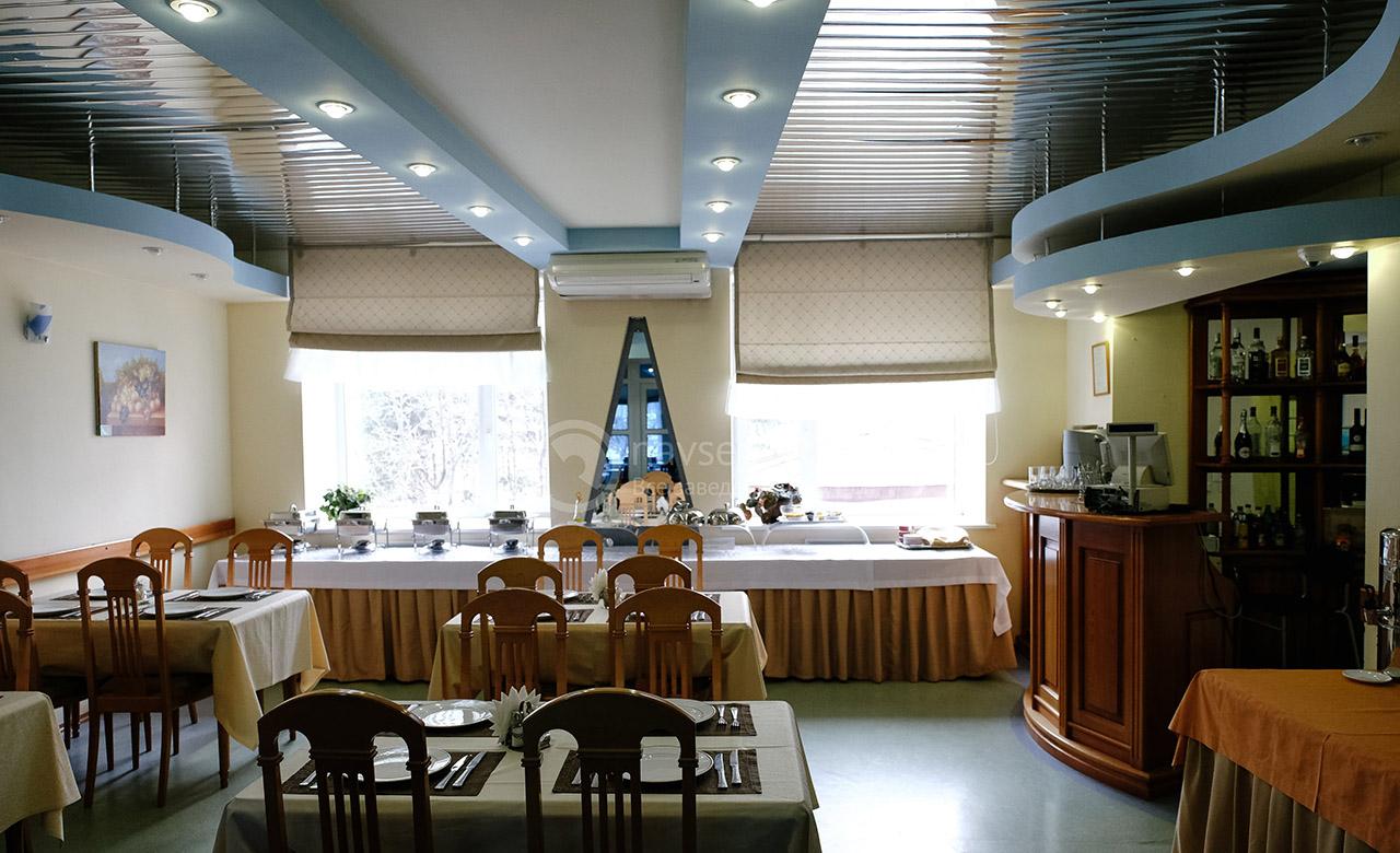 Кафе в гостинице Октябрьская в Томске на сайте tomsk.navse360.ru