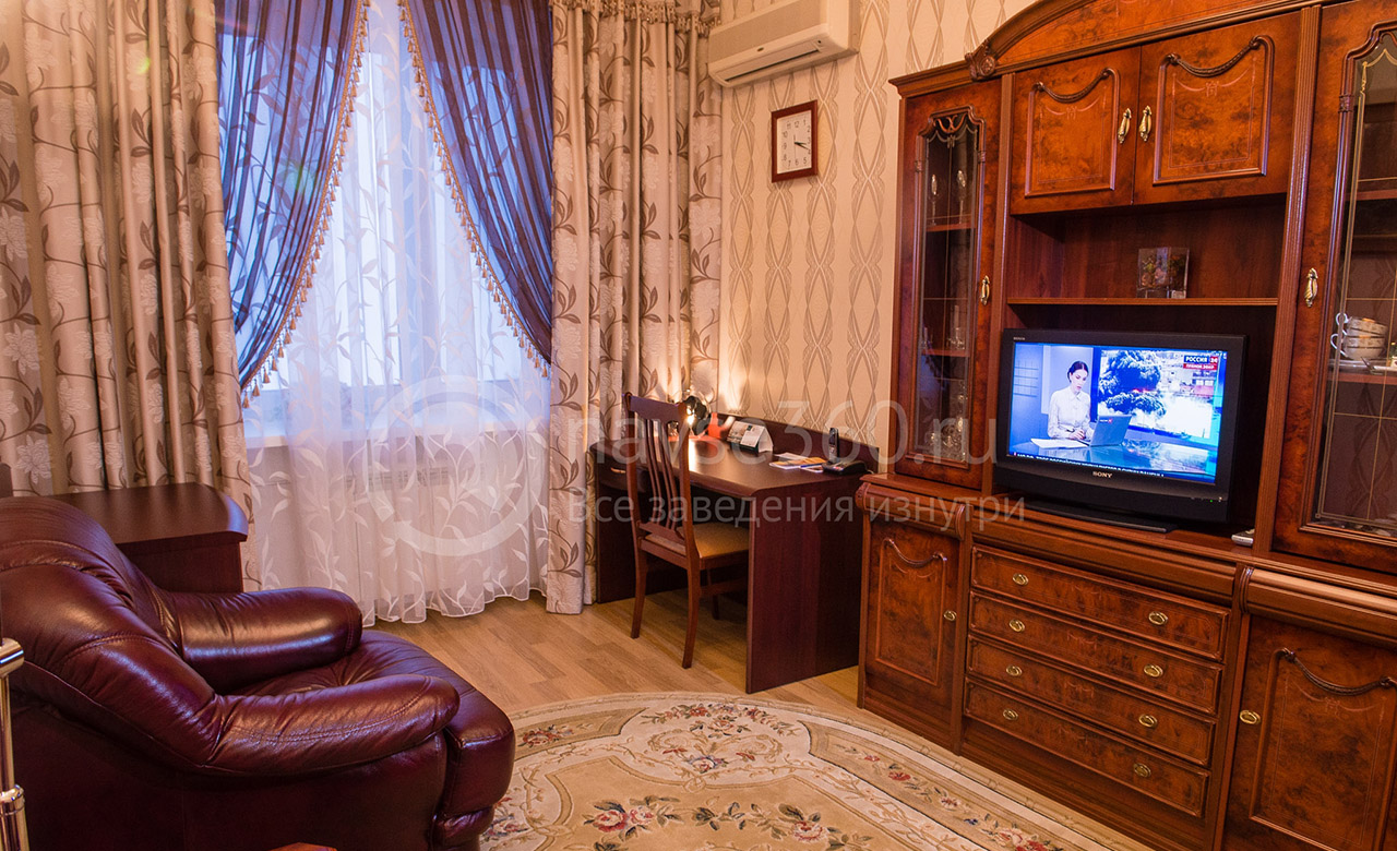 Номер двухкомнатный люкс в гостинице Октябрьская в Томске на сайте tomsk.navse360.ru