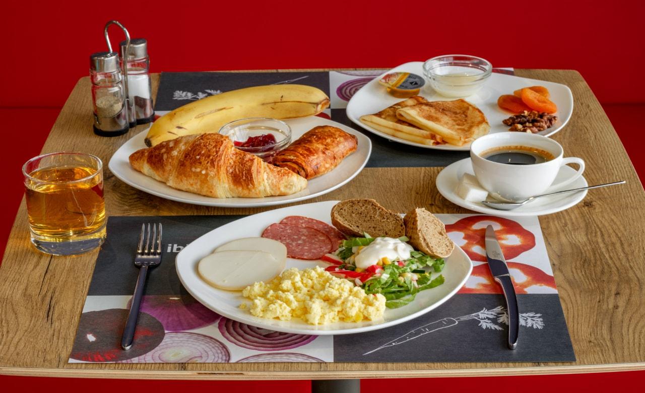 Отель Ibis Краснодар завтрак 2