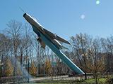 Памятник истребитель-бомбардировщик Су-7Б
