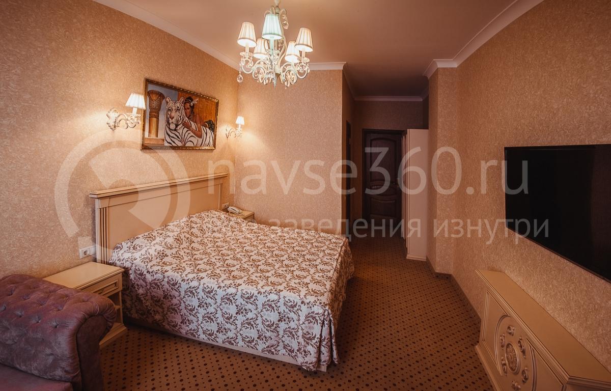 Резидент отель, номер 16