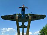 Памятник самолету штурмовику ИЛ-2