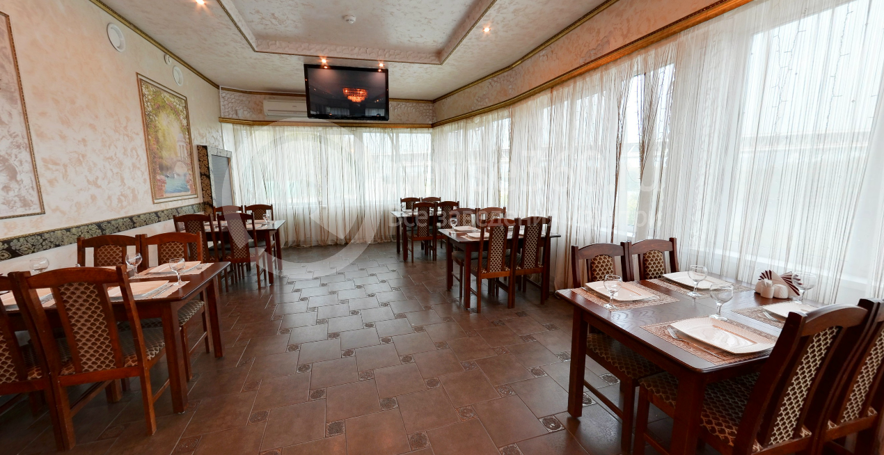 Розовый зал кафе Мираж