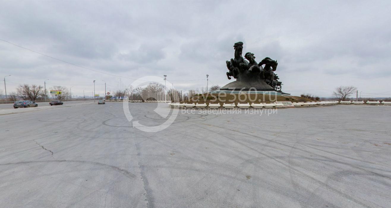 Памятник Тачанка