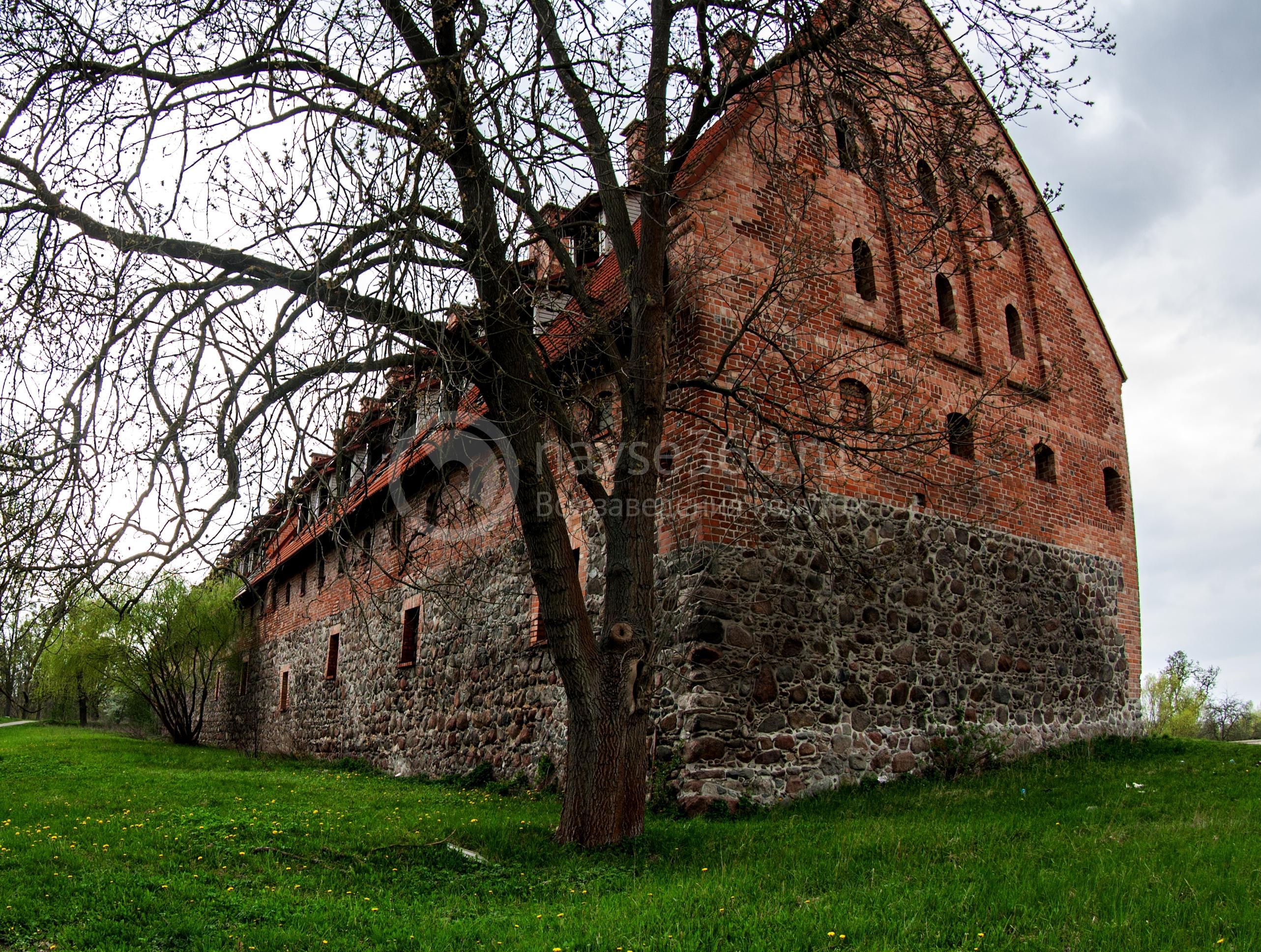 Форбург замка в наши дни