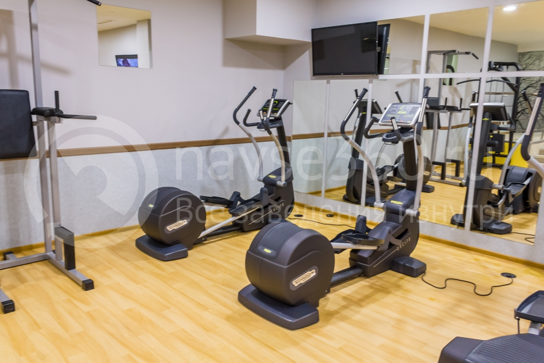 Фитнес центр в отеле Голден Тюлип Роза Хутор в Сочи